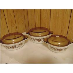PYREX CASEROLE SET CHIPS ON LIDS NO CHIPS DISHES