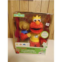 ELMO THE MUSICAL SEALED IN BOX