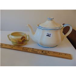 ROYAL DOULTON SUGAR BOWL AND TEA POT