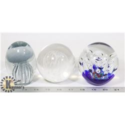SET OF 3 CRYSTAL PAPERWEIGHTS BY DYNASTY GALLERIES