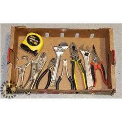 FLAT OF ASSORTED HAND TOOLS AND TAPE MEASURE