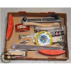 FLAT OF SANDING AND OTHER TOOLS