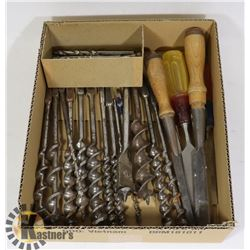 FLAT OF WOOD DRILL BITS AND CHISELS