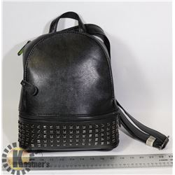 WOMENS PURSE/ BACKPACK