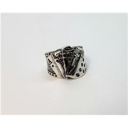 21) SILVER TONE PLAYING CARDS RING