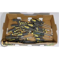 FLAT OF ASSORTED SCREW DRIVERS
