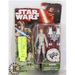 STAR WARS FIGURINE IN PACKAGE