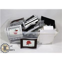 LOT OF PHOTO FRAMES