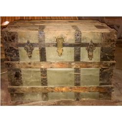 Antique Drucker Steamer Trunk  (108325)