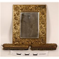 Stagecoach Primping Mirror & Brushes  (119985)