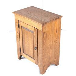 Early 20th Century Quarter Sawn Oak Book Cabinet
