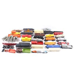 Collection Of Lionel Toy Train Cars & Accessories