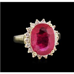 6.50 ctw Ruby and Diamond Ring - 14KT Yellow Gold