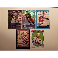Lot of 5 2001-2002 Mark Messier Hockey Cards