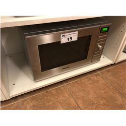 PANASONIC NN-SD671S STAINLESS STEEL MICROWAVE