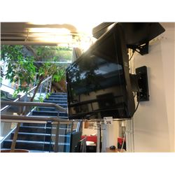 SAMSUNG FLATSCREEN TV WITH FULL MOTION MOUNT