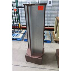 Swiveling Magnetic Display Column