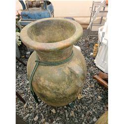 Large urn Cat  C