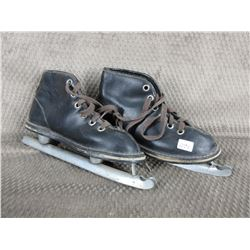 Vintage Childrens Double Blade Ice Skates