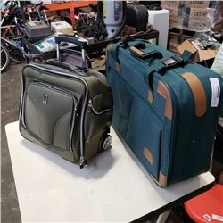TRAVELPRO CASE AND SUITCASE