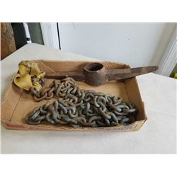 TRAY OF IRON CHAIN AND PICKAXE HEAD
