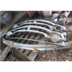Packard - 2 Grills & Bumper Chrome
