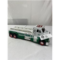 Hess Battery Operated Tow Truck