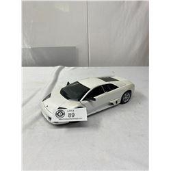 1/18 Scale Lamborghini Diecast Car