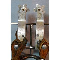 Crockett Renalde aluminum etched spurs, 2 pair, straps