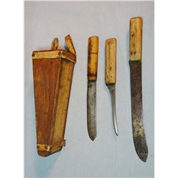 Skinner / butcher carry case w/3 old knives, possibly buffalo hunter