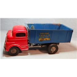 Structo dump truck, original and complete