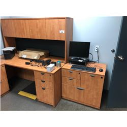 SINGLE PEDESTAL DESK WITH 4 DRAWERS AND MATCHING 4 DOOR HUTCH WITH SMALL MATCHING CREDENZA