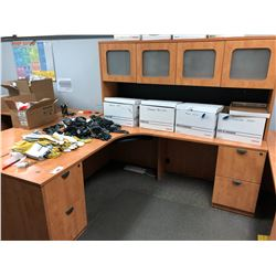 4 DRAWER DOUBLE PEDESTAL DESK WITH MATCHING HUTCH