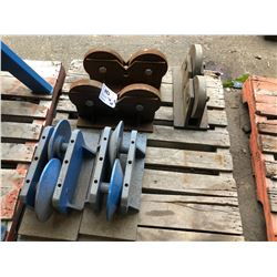 PALLET WITH 4 PIPE STAND ROLLERS