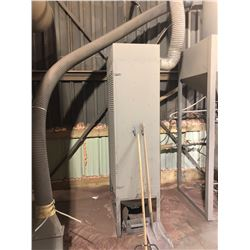 MOD.U.BLAST INDUSTRIAL SAND BLASTING SYSTEM COMPLETE WITH HOPPER, AND CABINET OF ACCESSORIES