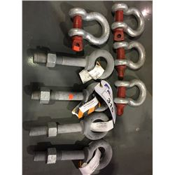 4 CROSBY 1/2 TON LIFTING SHACKLES AND 4 LIFTING EYELETS