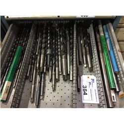 LOT OF ASSORTED DRILLS, MORSE TAPER & STRAIGHT SHANK AND LONG DRILLS