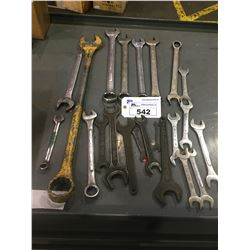 LOT OF STANDARD AND METRIC OPEN AND COMBINATION WRENCHES