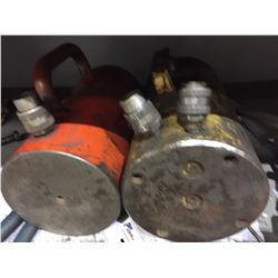 2 LARGE HYDRAULIC JACKS  WITH PUMP (TONNAGE LIFT UNKNOWN)