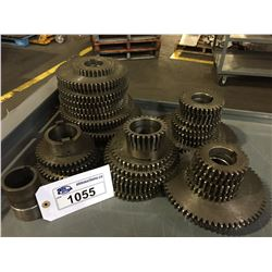 LOT OF ASSORTED SPROCKETS