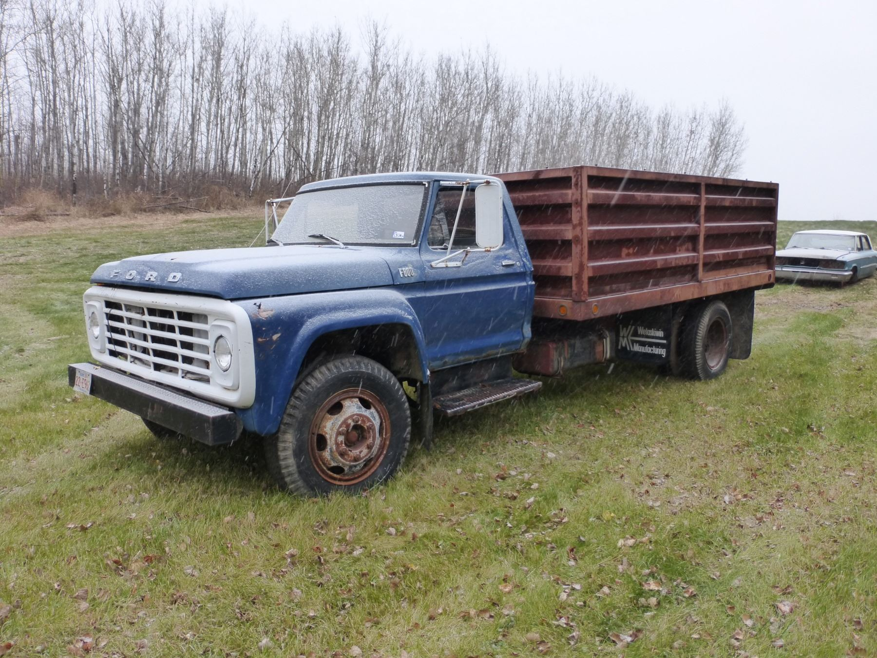 1976 Ford F600 Truck With Steel Dump Box