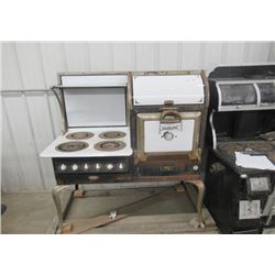 Vintage Porc Hot Point Early Elec Range w Oven & Stove Top