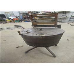 Vintage Supreme Barrel Style Swing Washing Machine w Wringer