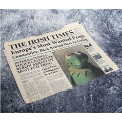 """Muppets Most Wanted – """"The Irish Times Newspaper"""" Featuring Kermit The Frog – A829"""