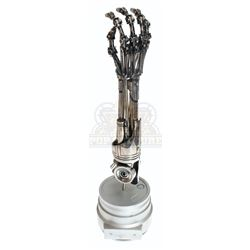 Icons Authentic Replicas – T-800 Endo Arm & Display Case – A753