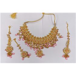 COSTUME JEWELRY SET NECKLACE AND EARRINGS