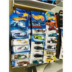 BOX OF ASSORTED NEW IN PACKAGING TOY CARS (HOTWHEELS)