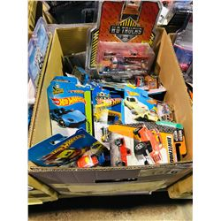 BOX OF ASSORTED NEW IN PACKAGING TOY CARS (HOT WHEELS, GREENLIGHT, JOHNNY LIGHTNING)