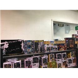 ASSORTED NEW IN PACKAGING TOYS/COLLECTIBLES: BATMAN SERVING PLATTER, LEGO, ALIEN PLASTIC MODEL KIT,