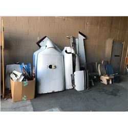 TWIN PROPELLER AIRPLANE PARTS + PIECES
